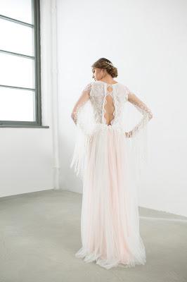 suknia ślubna z rozcięciem na plecach