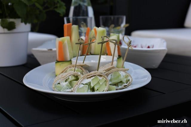 Sommer Apéro, gesund, Grill Apéro, Grill Vorspeise, Sommer Rezepte, Gemüse, Gemüse Bündel, Rezept, leicht, schnell, Gurken Röllchen, gesunde Häppchen, Fingerfood, Schweizer Foodblog, Stadt Land Blog