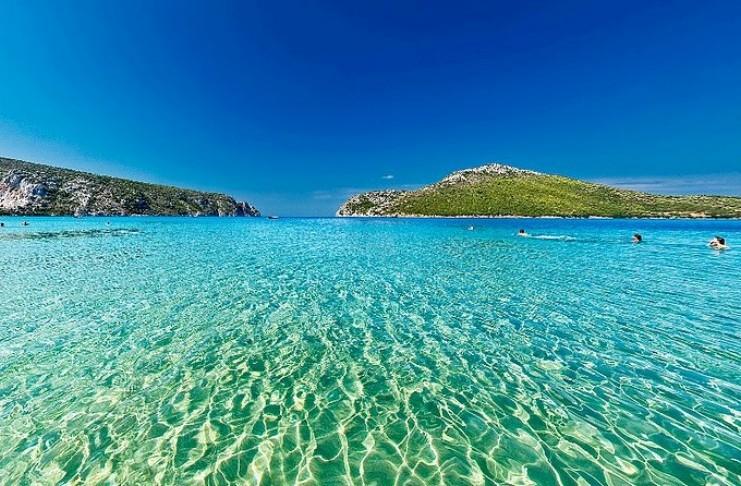 Το μεγαλύτερο και ασφαλέστερο φυσικό λιμάνι της Ελλάδας με την ατέλειωτη ομορφιά που βρίσκεται στην Χαλκιδική