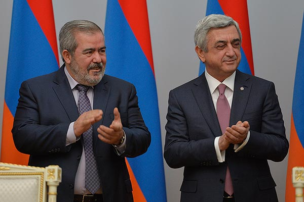 El alcalde de Ereván dimite oficialmente