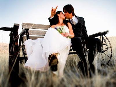 Romantic LOVE  shayar(love shayari,love couple,GF BF love photos,romantic couple,hindi shayari,english shayari)
