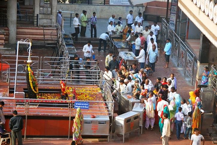 Sani Temple Shingnapur Maharashtra Kahani