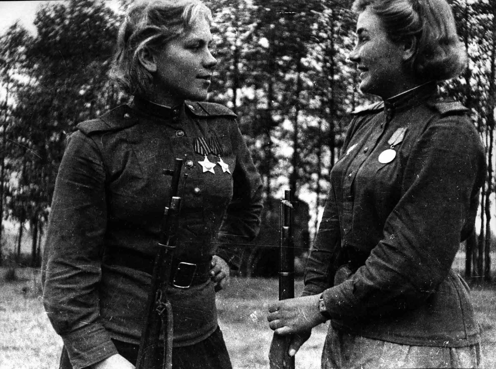 Sergeant Roza Shanina and Junior Sergeant Alexndra Maksimovna Ekimova.