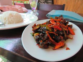 ミャンマーのウナギ料理