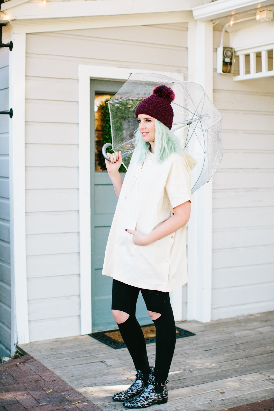 Rainy Day Outfit, Knee Slit Leggings, Utah Fashion Blogger