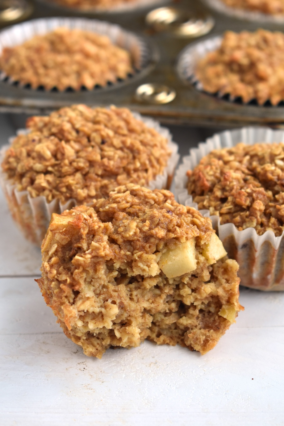 Easy Apple Cinnamon Oatmeal Cups