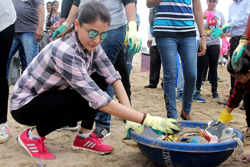 Anushka Sharma Cleans Versova Beach to Spread Cleanliness