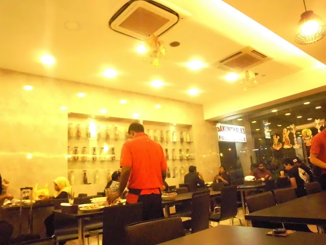 restoran halal singapore