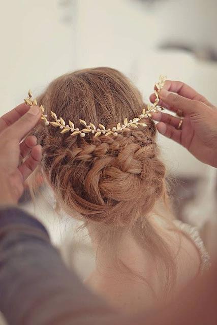 WHISPER blog: FOLHAS DE METAL #updo #penteado #diadema #tiara #folhas #acessorio #cabelo #hair