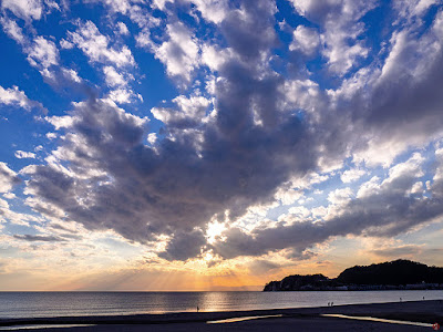 Before sunset: Yuigaha-beach (Kamakura)