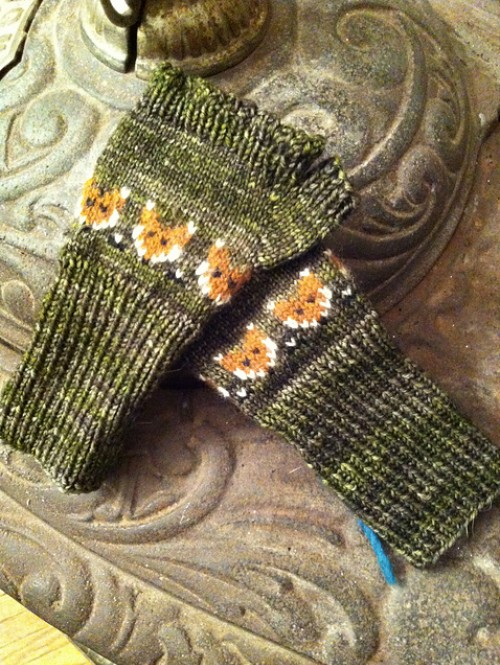 Foxy Mittlets for Mama Foxes - Free Pattern