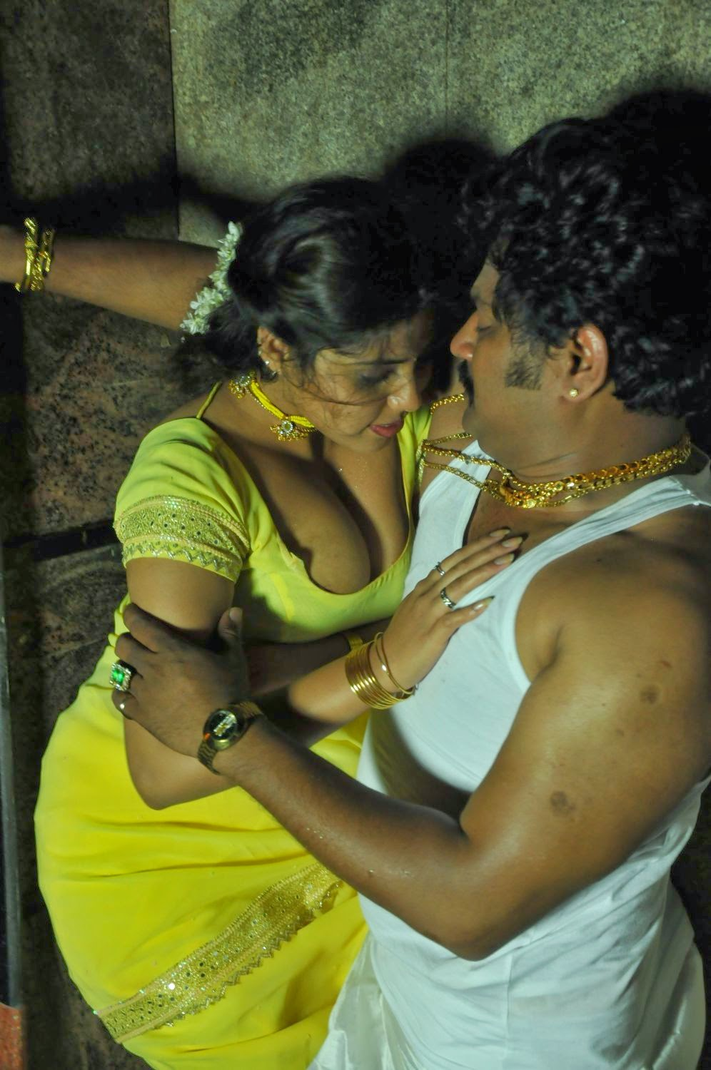 Kerala aunty with her bf - 3 part 1