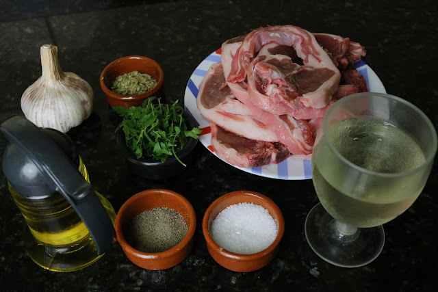 Ingredientes para chuletillas de cordero al ajillo