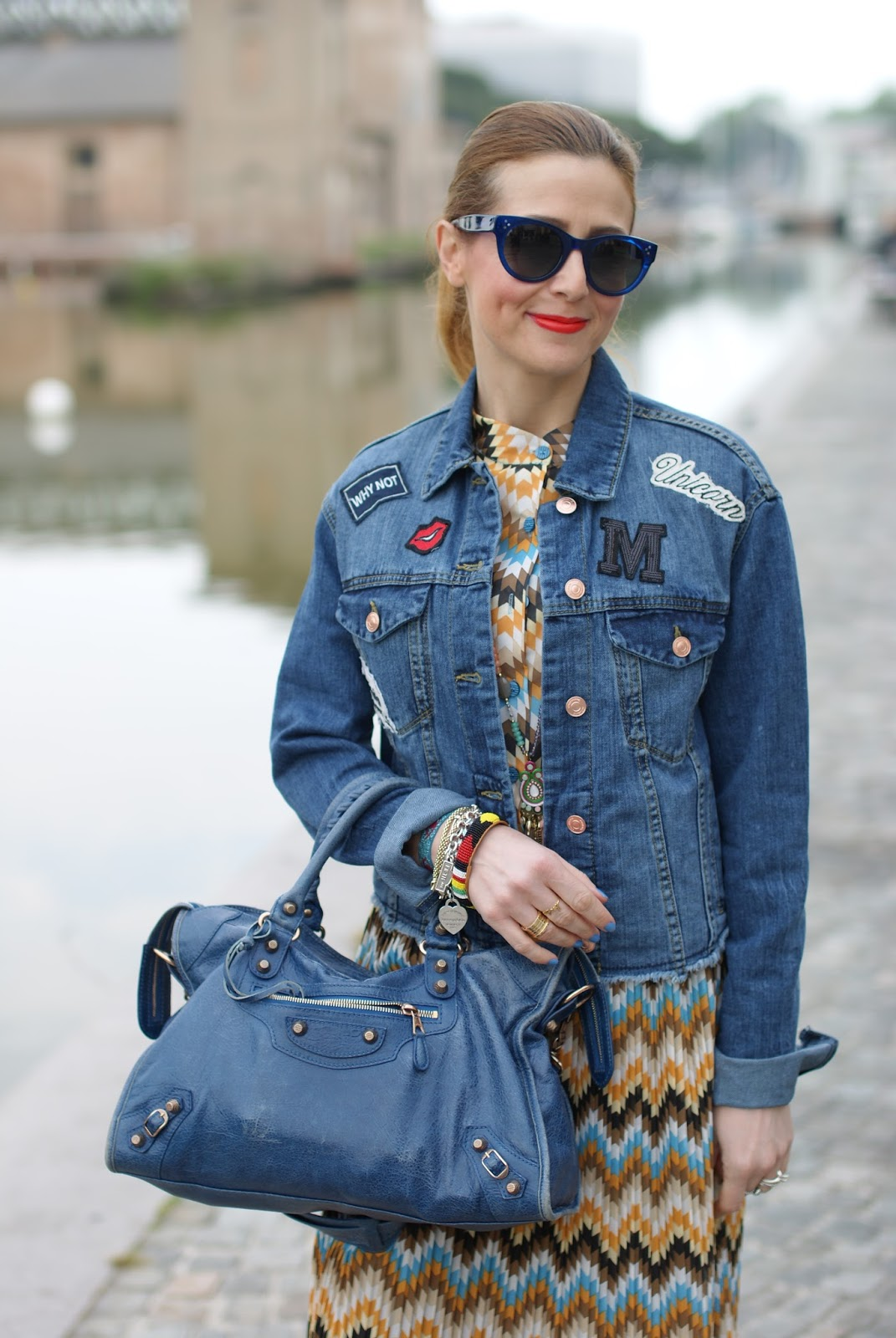 Pleated maxi dress and Stradivarius denim patched jacket on Fashion and Cookies fashion blog, fashion blogger style