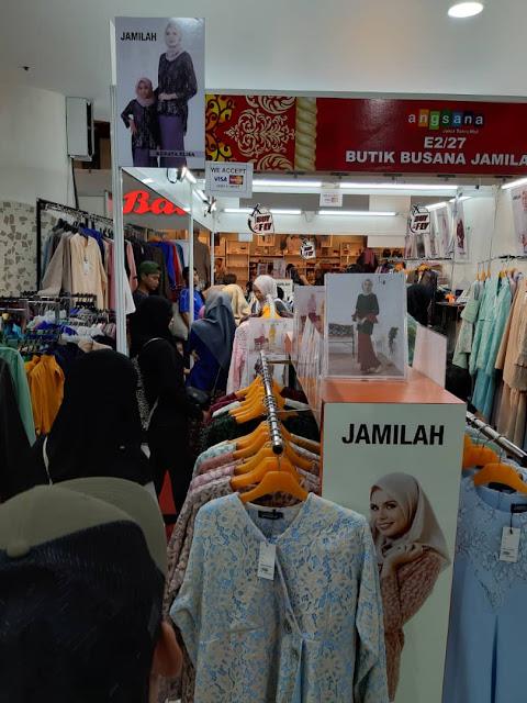 Sesak semua orang nak beli bajun sedondon ibu anak Busana Jamilah