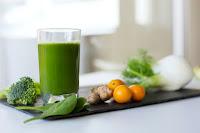 Se soigner avec des jus de fruits et légumes frais