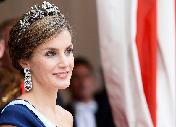 Letizia Ortiz Rocasolano, the wife of King Felipe of Spain and the Queen of Spain. Style of Queen Letizia. Diamon Tiara