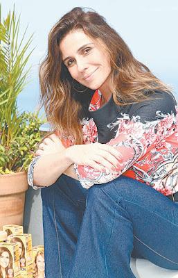 Giovanna Antonelli escurece os cabelos