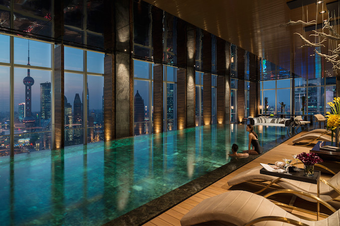 Pool overlooking city in Four Seasons London Hotel Ten Trinity Square