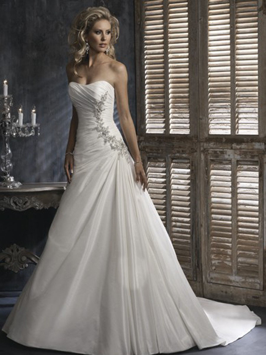 how to choose perfect wedding dress the perfect wedding dress How to Choose the Perfect Wedding Dress