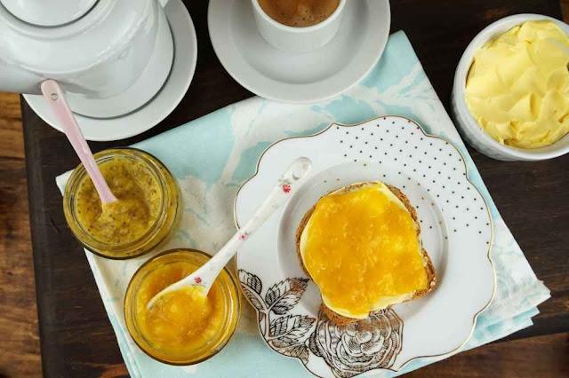desayunando mermeladas sin azúcar