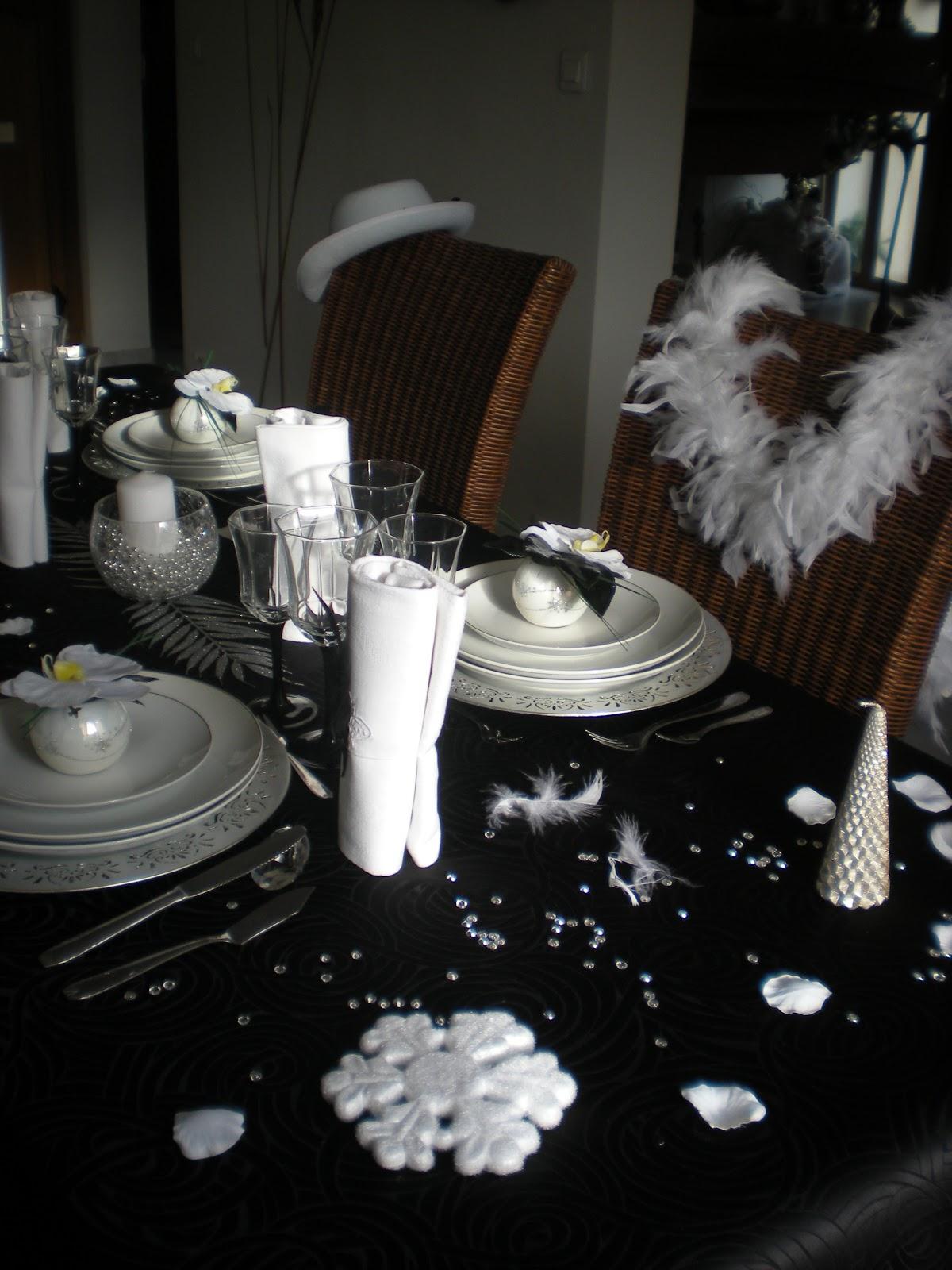 deco salon noir blanc argente pr l vement d 39 chantillons et une bonne id e de. Black Bedroom Furniture Sets. Home Design Ideas