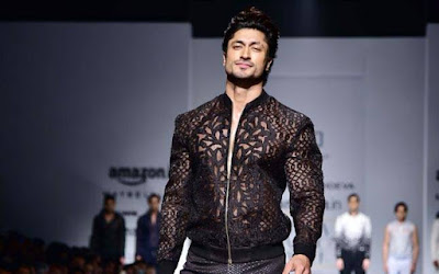vidyut-jammwal-grooves-to-uptown-funk-on-aifw-runway