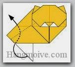 Bước 14: Gấp cạnh giấy lên trên sao cho ở trong giữa các lớp giấy.