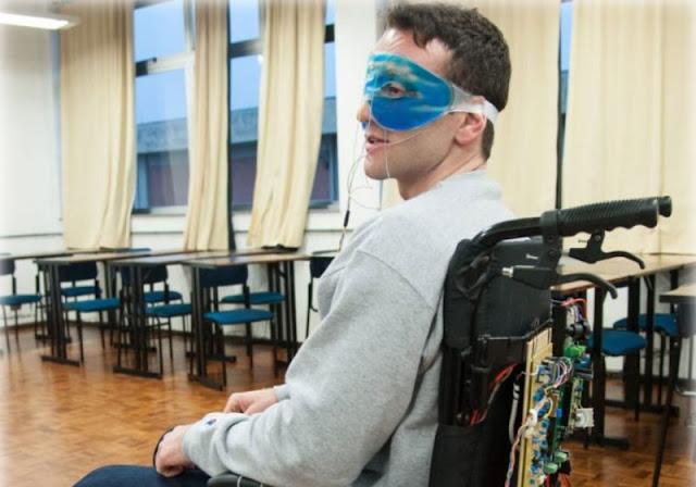 Cadeira de rodas movida com os olhos