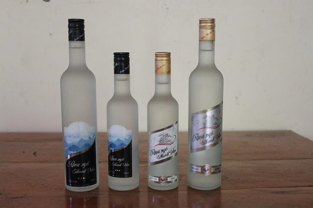 Enjoy Hagiang's traditional corn wine over the beautiful Karst Plateau 3