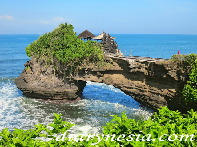 pura batu bolong tourism, lombok island tourism, must visit place in lombok Indonesia, diarynesia