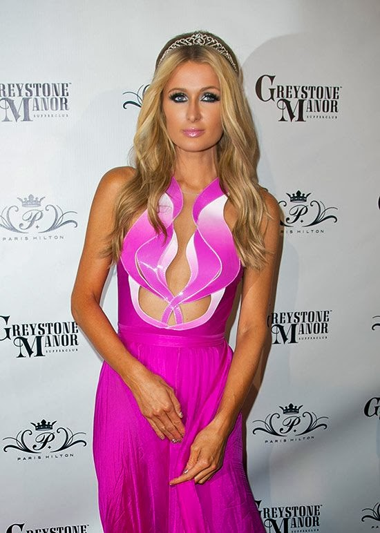 Paris Hilton With No Panties 3