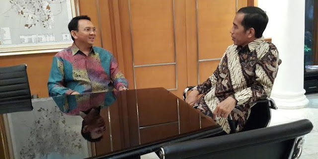 Ketika Jokowi Jenguk Ahok di Rutan Mako Brimob