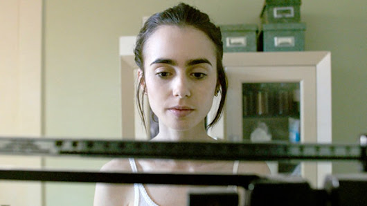 """To the Bone "" o drama sobre anorexia estrelado por Lily Collins ganha trailer"