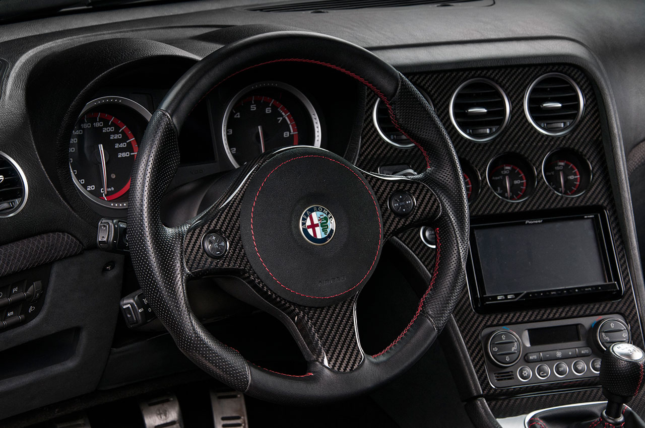 Alfa Romeo Giulia Quadrifoglio Star Car moreover  further Vilner Alfa Romeo Brera Italia Independent Interior X also Alfa Romeo Giulia Quadrifoglio Alloy Wheels furthermore . on alfa romeo brera interior