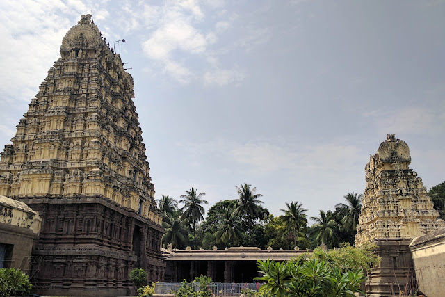 The Main gopura and the second gopura