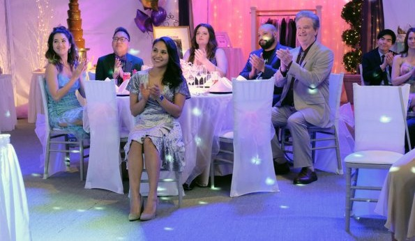 "NUP 185909 0380 595 Spoiler%2BTV%2BTransparent - Superstore (S04E17) ""Quinceanera"" Episode Preview"