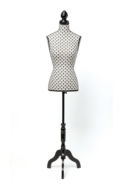 http://www.tati.fr/cristina-cordula-pour-tati/decoration-meubles/la-collection/buste-couturier-cristina-cordula/167246.html#104