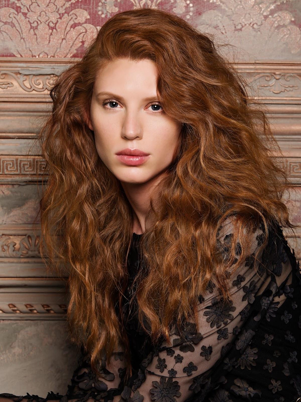 ragazza capelli rossi