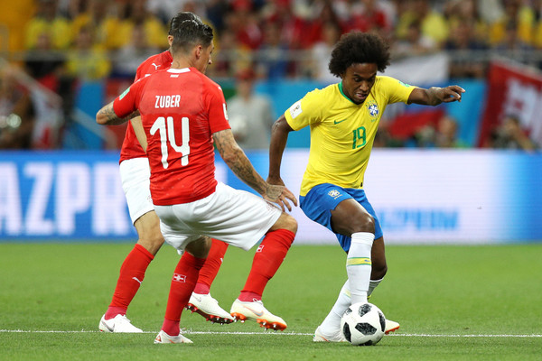 Manchester United to sign Willian from Chelsea