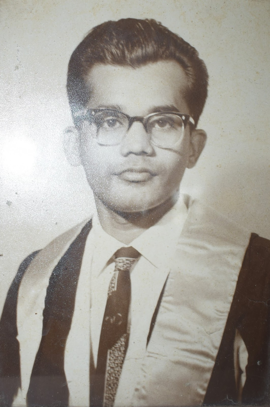 Somaweera Senanayake is a novelist I haven't read (because I don't read much). He came to us in other ways: through those teledramas, films, and episodes ...