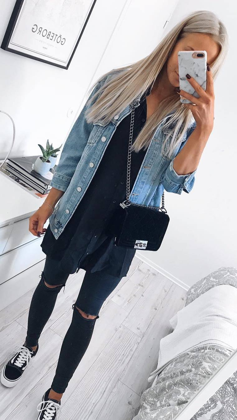 cool casual outfit / denim jacket + bag + blouse + rips + sneakers