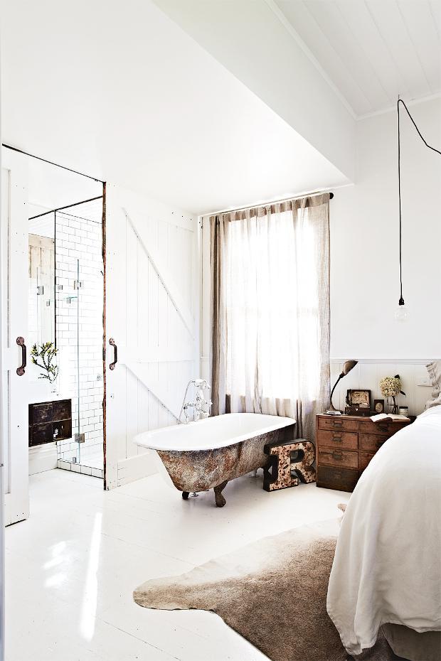 http://www.vintagehousedaylesford.com/white-room/