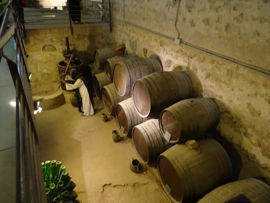 Representación a tamaño real en el Museo del Vino, Monasterio de Piedra