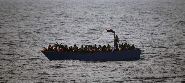 Η Ιταλία απειλεί να μπλοκάρει την είσοδο πλοίων με μετανάστες στα λιμάνια της