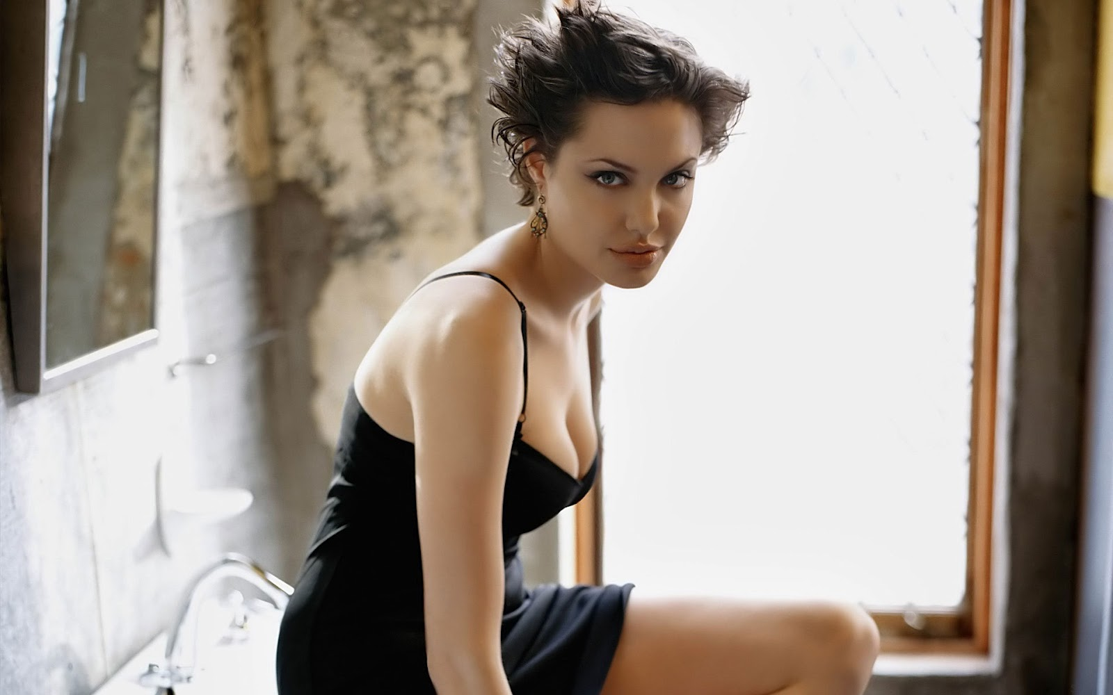 Jolie Sexy Photos 106