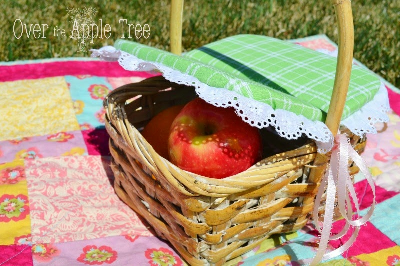 Picnic Basket Tutorial, Over The Apple Tree