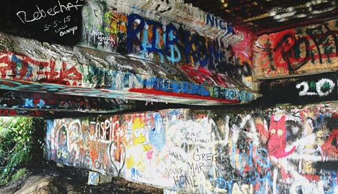 kurt cobain bridge aberdeen washington graffiti