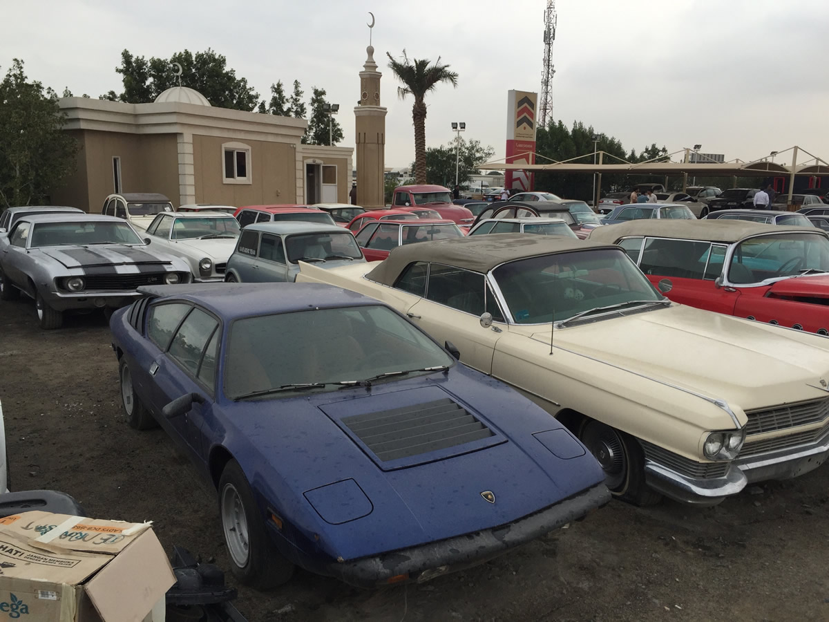 Neglected Classic Cars at the Dubai Auction | THIS EUROPEAN LIFE ...
