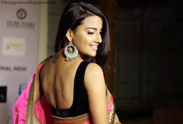 jyoti sethi hot backless blouse pic